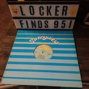 CONNIE FREESTYLE VINYL RECORD EXPERIENCE